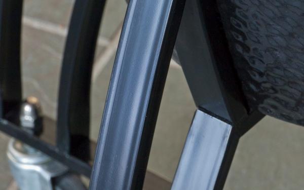 P1100151 Bronze Cart close