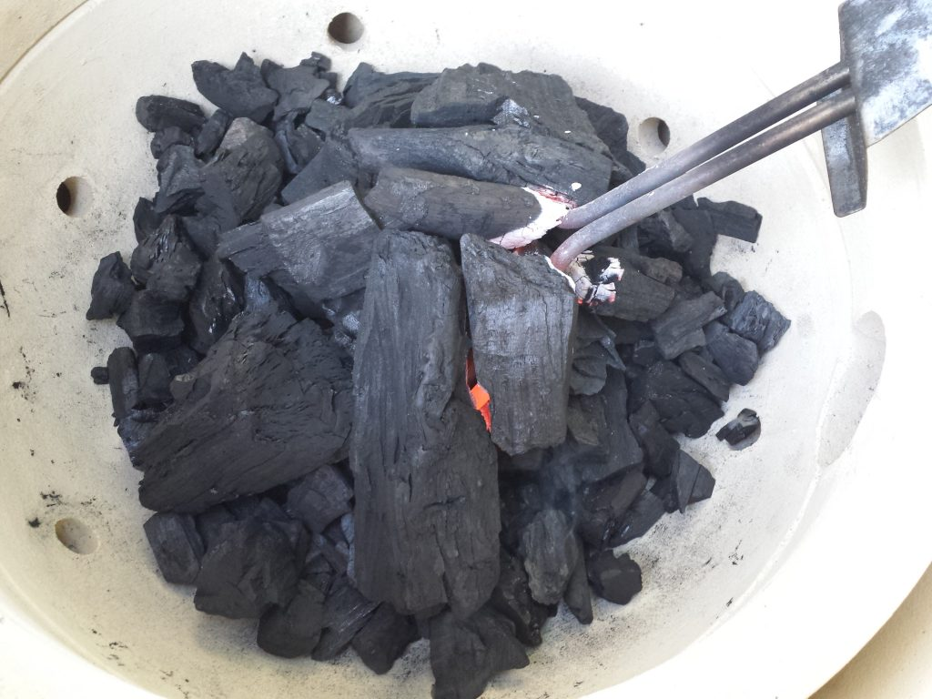 Starting Charcoal with an Electric Fire Starter 2